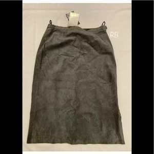 🌈 NWT Terry Lewis 100% Leather Gray Skirt Size 18